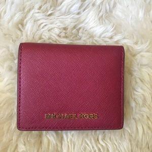 BNWT!!Michael Kors Jet Set Travel Wallet